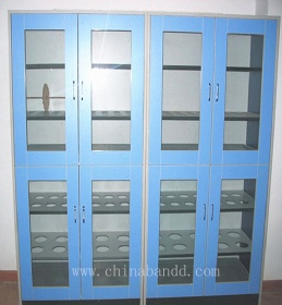 Lab utensil storage cabinet